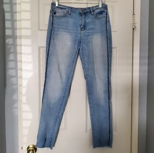 KanCan light wash raw hem jeans Sz 5